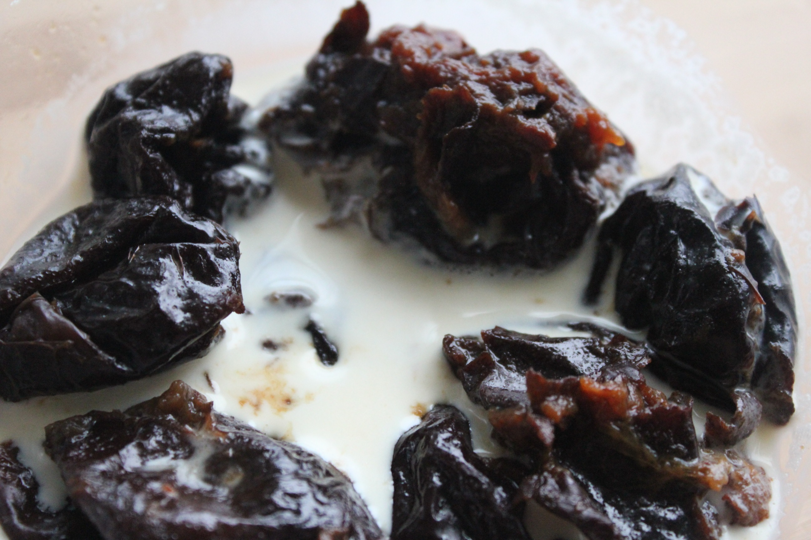 Stewed Prunes with Cream