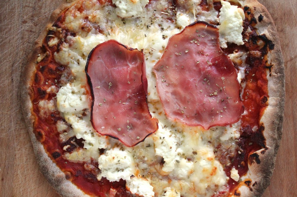 Tomato, Ricotta and Ham Pizza