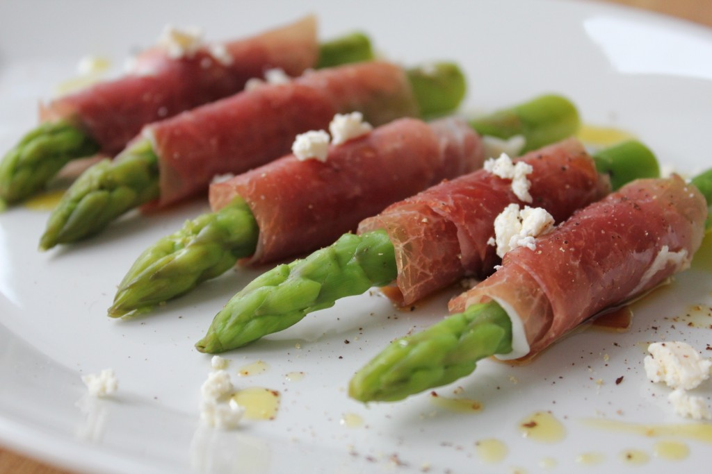 suldalsskinka-wrapped-asparagus thanksforthefood.com