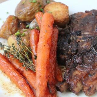 Slow-cooker-Norwegian-lamb-chops-recipe // thanksforthefood.com